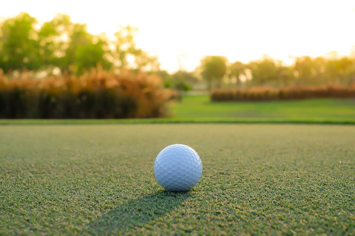 golf-ball-on-course
