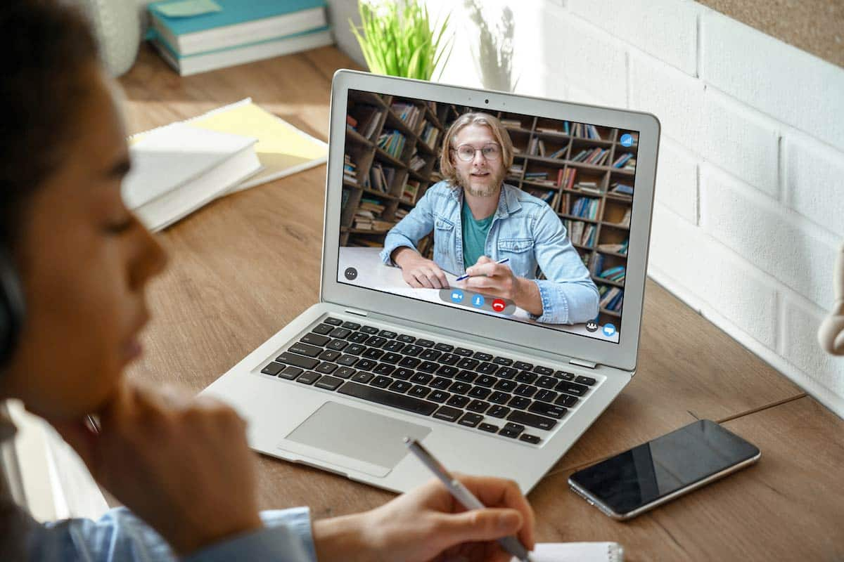 Remote College vs Online School: What's a Better Investment